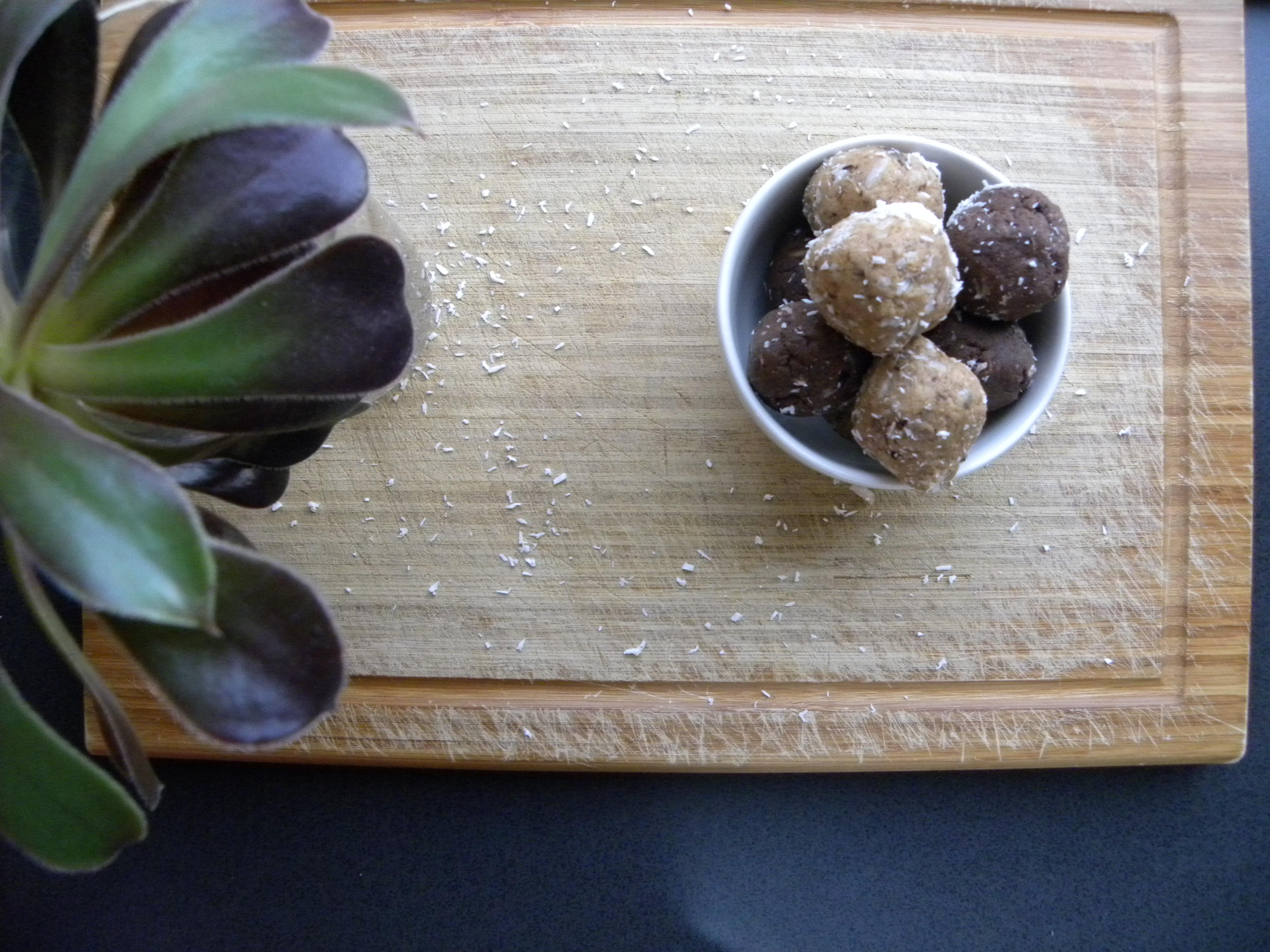 bliss balls, lemon, coconut, gluten free, dairy free, vegan, plant based