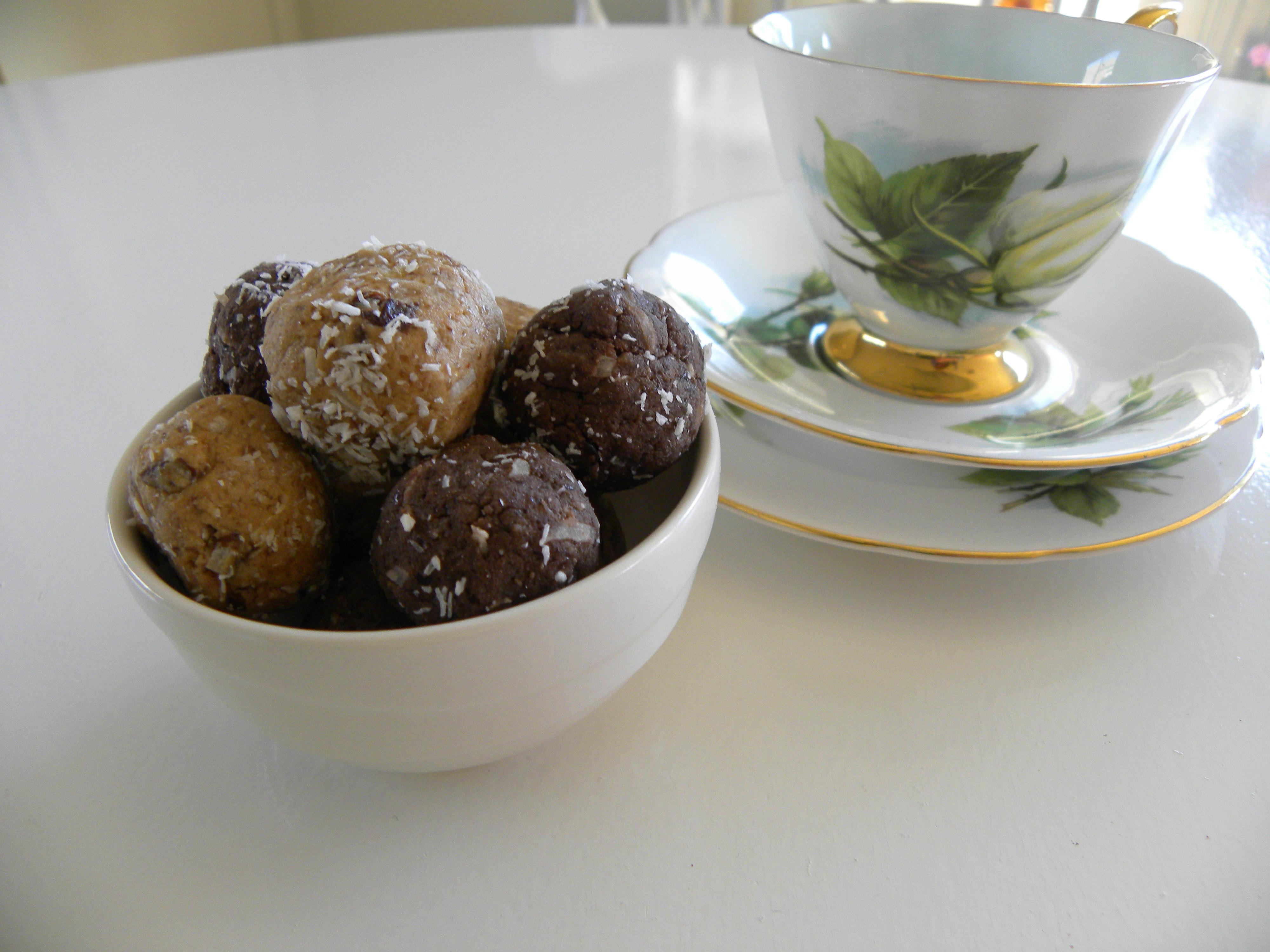 bliss balls, vegan, chocolate, goji, dairy free, gluten free,